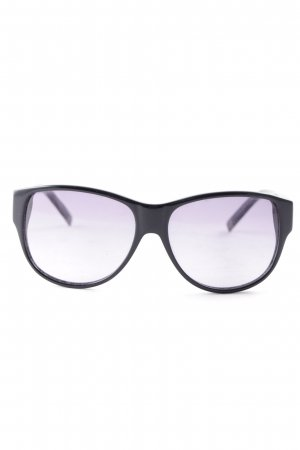 Karl Lagerfeld Oval Sunglasses black beach look