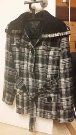 Karo Jacke weiss/schwarz/grau mit Gürtel Gr. 38 - wie NEU
