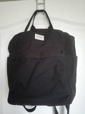 Kastiger schwarzer Rucksack