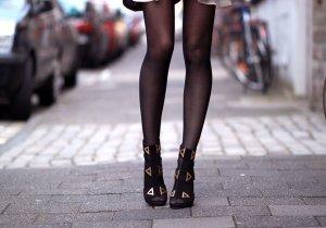 Kat Maconic High Heel Sandaletten schwarz-goldfarben Elegant