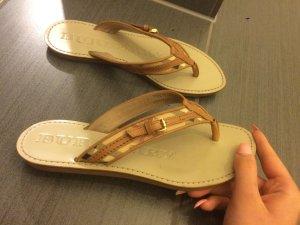 Kaum getragene Burberry Schuhe