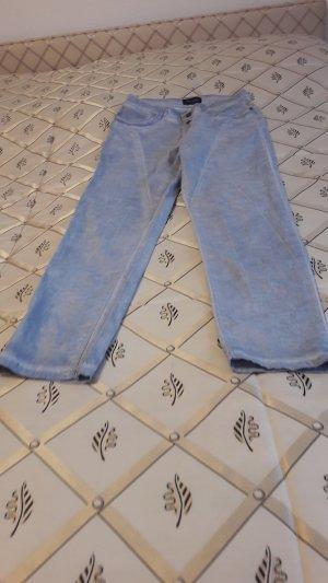 kaum  getragene   hellblaue Hose