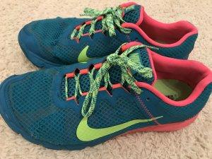 Nike Sneakers roze-turkoois