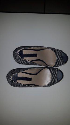Kaum getragene Peeptoes