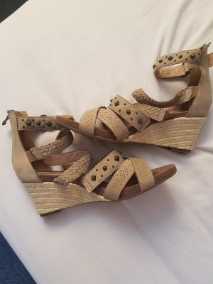 5th Avenue Strapped High-Heeled Sandals beige