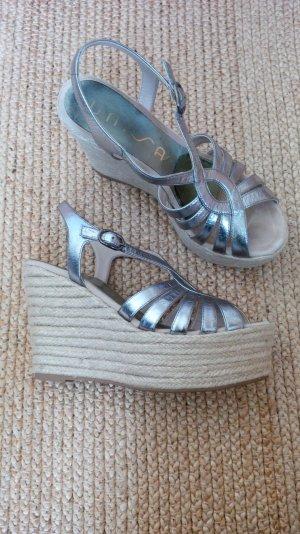 Keil-Sandalette mit Bast, silbernes Leder von UNISA, Gr. 39