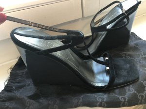 Gucci Strapped High-Heeled Sandals black