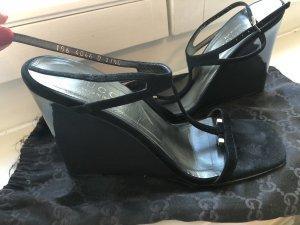 Gucci Sandalias de tacón de tiras negro