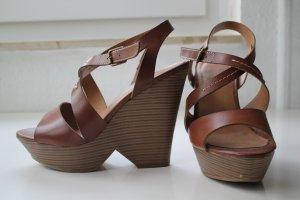 Keilabsätze Sandalen Vintagelook mit Plateauabsatz