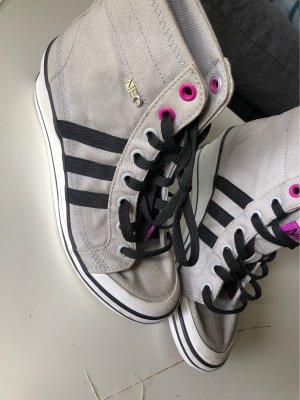 Keilabsatz Adidas Schuh
