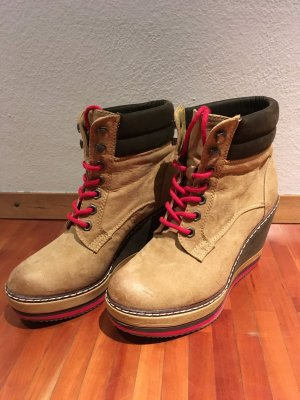 Keilabsatz Boots - Catwalk - Winterschuhe - Stiefeletten