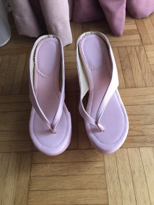 Sandalias con tacón rosa claro