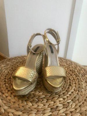 Keilabsatz-Sandalen