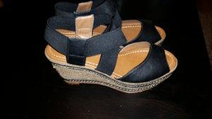 Keilabsatz sandalen in schwarz