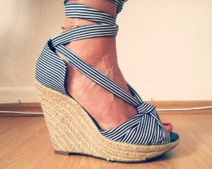 H&M Wedge Sandals white-dark blue