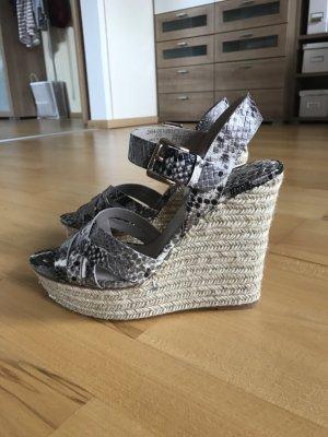 Keilabsatz Sandaletten von Zara in Schlangenoptik NEU Größe 39