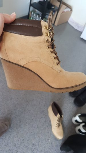 Deichmann Lace-up Booties sand brown