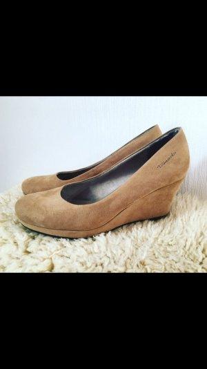 Keilabsatz Schuhe beige