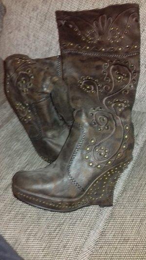 Keilabsatz Schuhe in braun