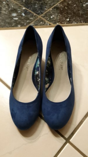 Keilabsatz Schuhe  in einem schönen königsblau