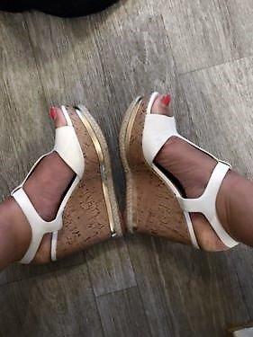 Keilabsatz Schuhe in weiß