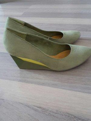 Keilabsatz Schuhe neu - bequem - hingucker