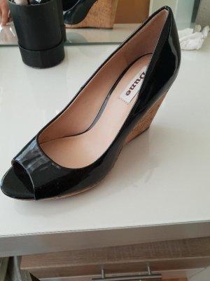 Keilabsatz Schuhe/ offene Schuhe / Lack/ schwarz