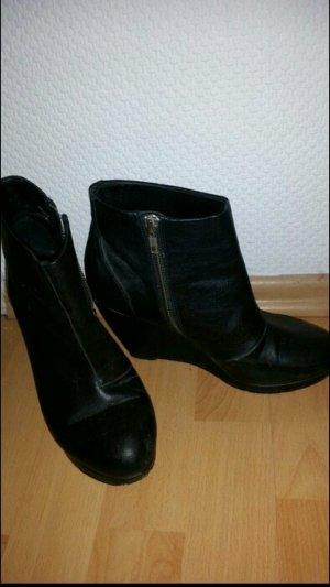 Keilabsatz Schuhe Wedges in schwarz mit Reißverschluss an der Seite