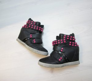 Wedge Sneaker black-magenta