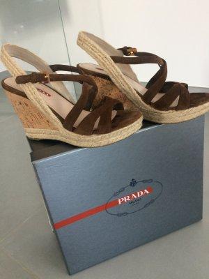 Prada Sandalo con plateau marrone Scamosciato