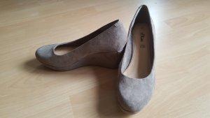 s.Oliver Zapatos de cuña marrón grisáceo-beige