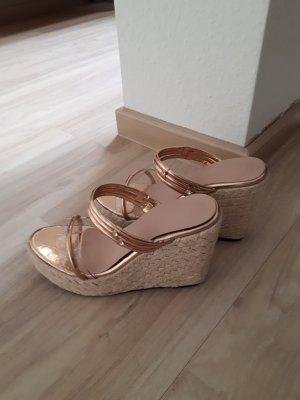 Sandalo con plateau sabbia