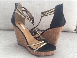 Sandales à talons hauts et plateforme noir-doré