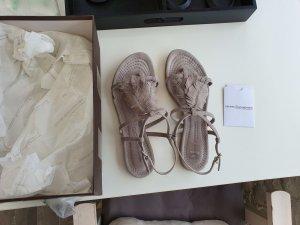 Kennel + schmenger Sandalen met bandjes en hoge hakken lichtgrijs