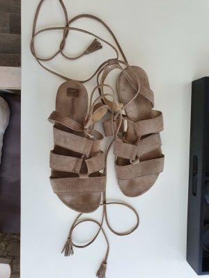 Kennel + schmenger Sandalen met bandjes en hoge hakken taupe-khaki