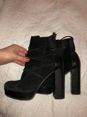 Kennel + Schmenger boots