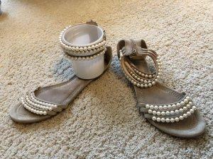 Kennel & Schmenger Perlensandalen