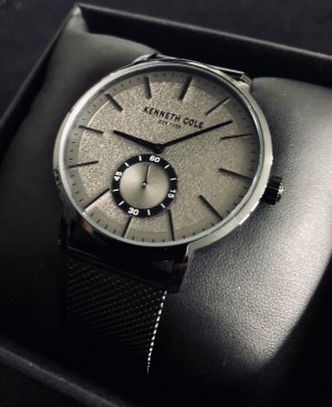 Kenneth Cole Watch With Metal Strap black-grey stainless steel