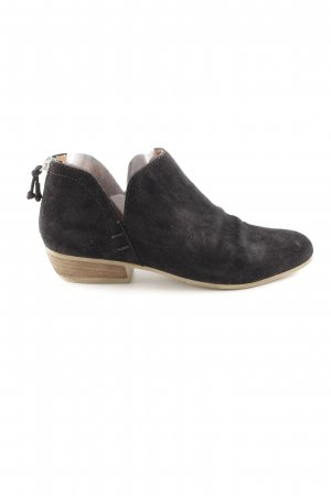 Kenneth Cole Stivaletto cut out nero elegante