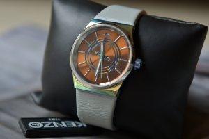 KENZO Uhr Quarzuhr Analog Quarz Grau Leder Neu OVP Zeigeruhr Armbanduhr