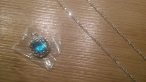 Kette 925er Silber mit blauem Stein ungetragen