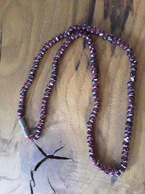 Necklace dark red