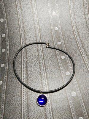 Kette aus Kautschuk mit Silberanhänger & Glasstein blau, 925 er Silber