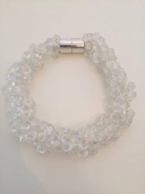 Kette aus Kristallen