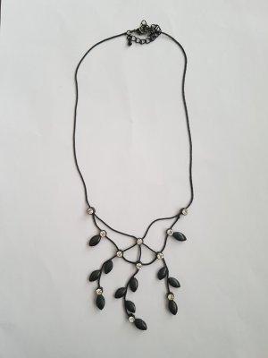 Bijou Brigitte Necklace black-silver-colored