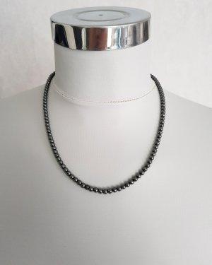 Necklace dark grey
