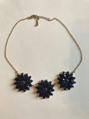 Kette mit blauen Blumen