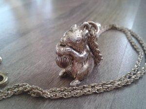 Kette mit Eichhörnchen