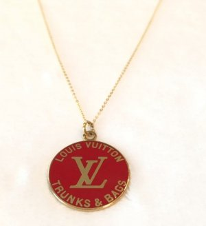 Kette mit original Louis Vuitton LV Anhänger 50cm Halskette rot gold Logo