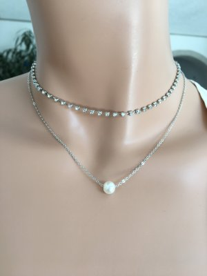Kette mit Perle